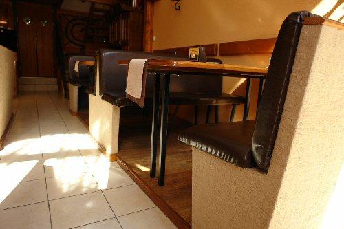 Retro Étterem - Kávézó - Pub
